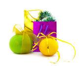 Pacotes de presente e grupo de citros — Fotografia Stock