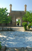 The gates of ancient mausoleum — Stockfoto