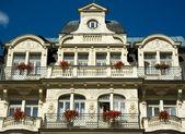 Karlovy Vary hotel facade — Stock Photo