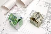 Domy wykonane z banknotów — Zdjęcie stockowe