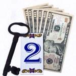 Key 2 dollars — Stock Photo