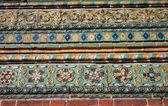 Fragmento de ornamentación de la fachada del viejo ch — Foto de Stock