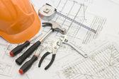 Herramientas de construcción en el proyecto de la casa — Foto de Stock