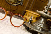Starověké hrudníku a jiné staré věci — Stock fotografie