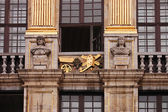 Fragment of a facade of an ancient building — Stock Photo