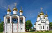 尼修道院在佩,俄罗斯,yarosla — 图库照片
