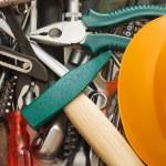 různé nástroje a kladivo — Stock fotografie