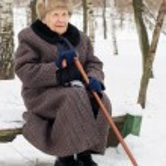 retrato da mulher velha no inverno — Foto Stock