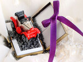 Gift box with a car — Stock Photo
