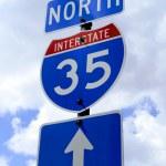 Znak drogowy autostrady 35 — Zdjęcie stockowe