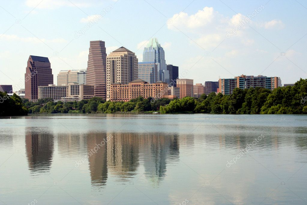 A nice clear shot of downtown Austin, Texas from across Town Lake.  — Stock Photo #1385510