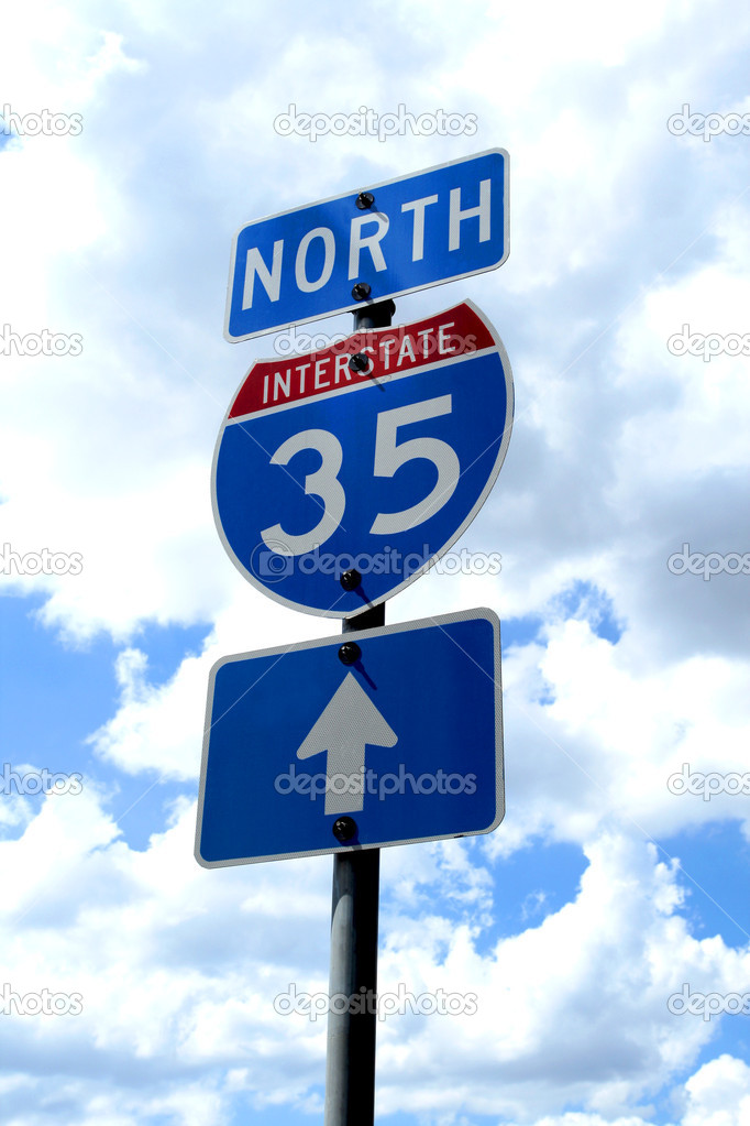 A highway 35 road sign in Texas.  Lizenzfreies Foto #1388489