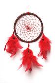 Traditionele noord-indiase dreamcatcher met rode veren en granaat parels. — Stockfoto