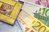 Briefbeschwerer für währung — Stockfoto