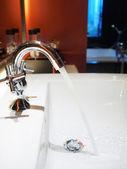 Running tap water — Stock Photo