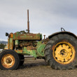 Rusty old tractor — Stock Photo