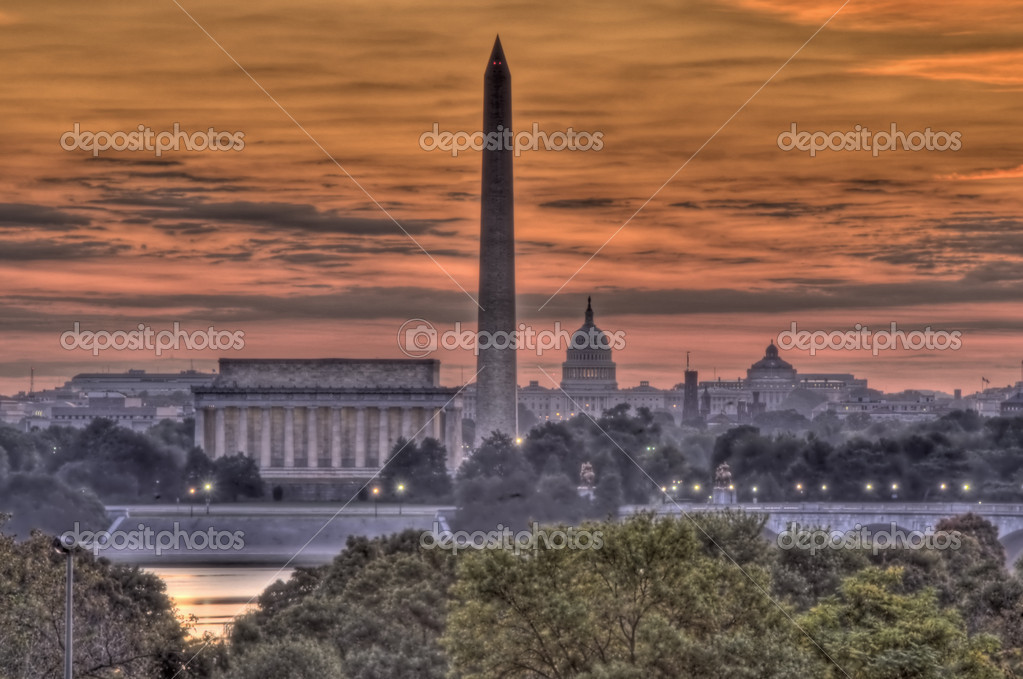 The Washington DC city skyline at dawn, from the Netherlands Carillion in Alexandria, VA — Stock Photo #1348148