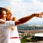 Young couple enjoying view — Stock Photo