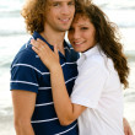 Romantic couple at beach — Stock Photo