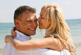 Carefree couple embracing — Stock Photo