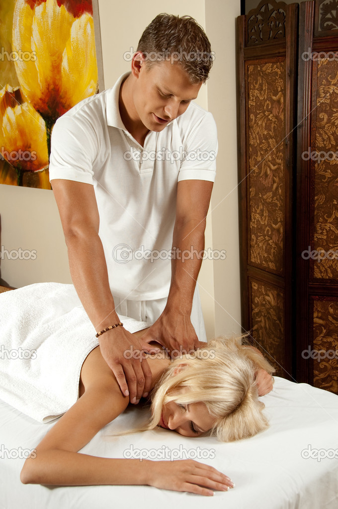 Man giving lovable spa massage — Stok fotoğraf #1368403