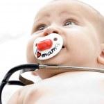 Child with stethoscope — Stock Photo