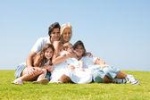 五个幸福家庭的肖像 — 图库照片