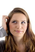 Vrouw haar hoofd krabben close-up — Stockfoto