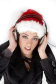 美しい若い女性を楽しむ音楽 — ストック写真