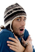 Handsome guy shivering in winter outfit — Stock Photo