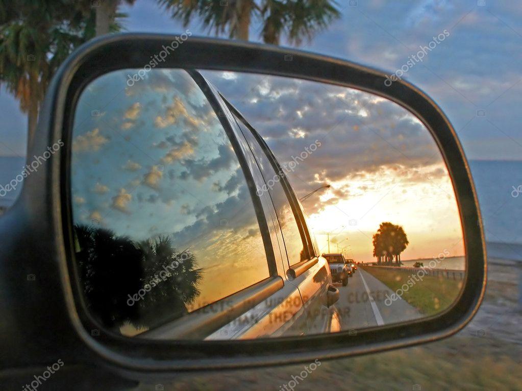 Car mirror reflection stock photo quackersnaps 1374634 for Reflection miroir