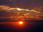 Coucher de soleil brûlant — Photo