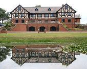 Tudor House Reflections — Stock Photo
