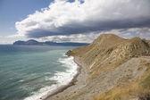 берега ломать волны — Стоковое фото
