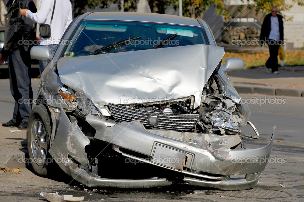 Traffic accident. Car crash — Stock Photo #1369514