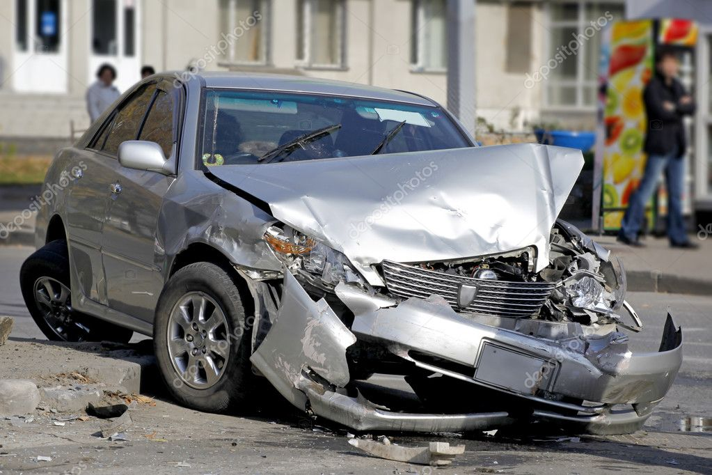 Traffic accident. Car crash — Stock Photo #1371375