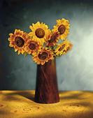 如诗如画的向日葵花束 — 图库照片