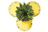 Couper les ananas — Photo