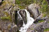 Een waterval is in de Oeral — Stockfoto
