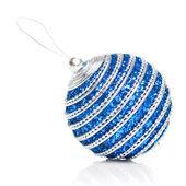 Modrý vánoční koule izolované na bílém — Stock fotografie