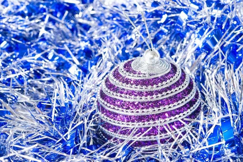 Pink and blue christmas balls with decoration isolated on white — Stock Photo #1359890