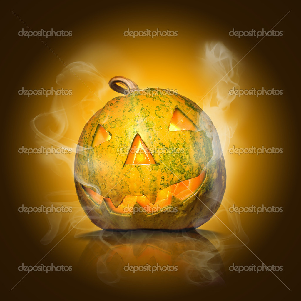 Halloween pumpkin on yellow with smoke — Zdjęcie stockowe #1364094