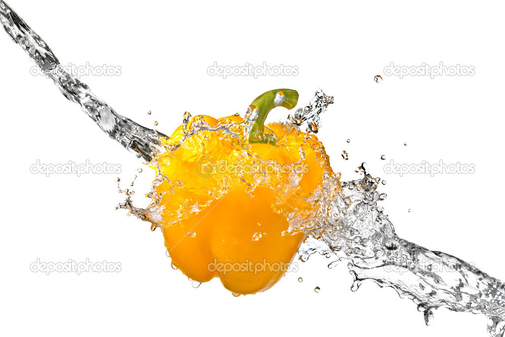Fresh water splash on yellow sweet pepper isolated on white  — Stock Photo #2635727