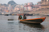 Boat ride on the Ganges river — Stock Photo