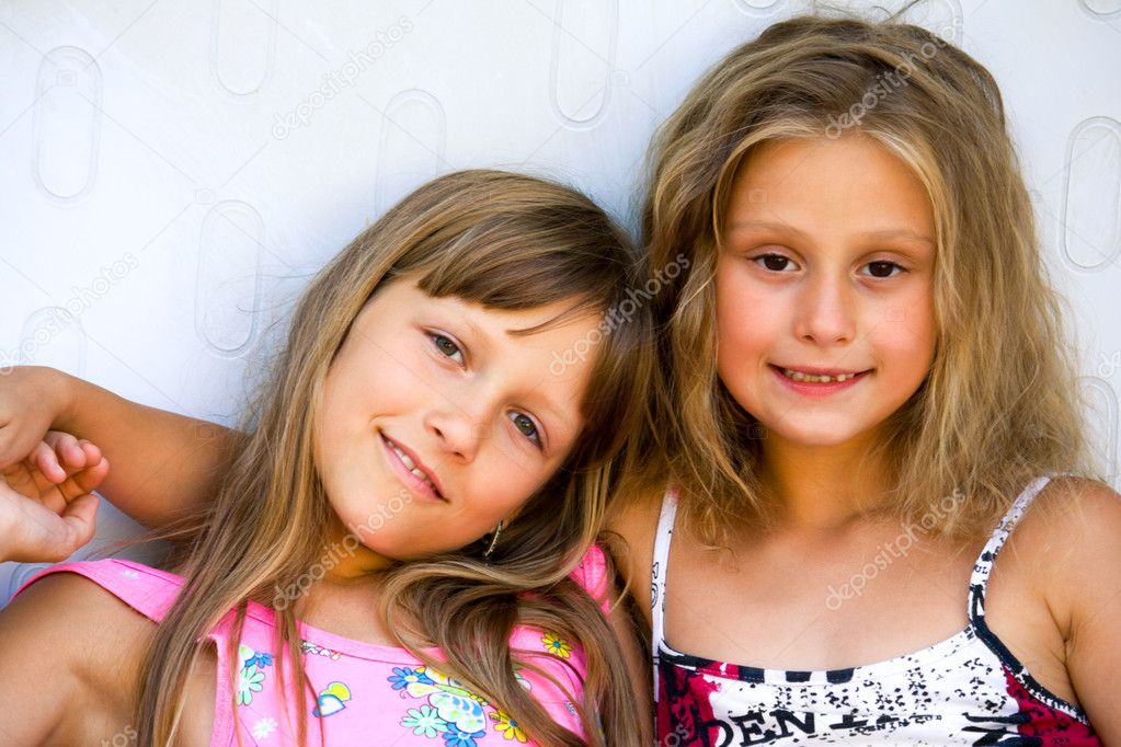 portrait of two sisters, friends — Stock Photo #1433377