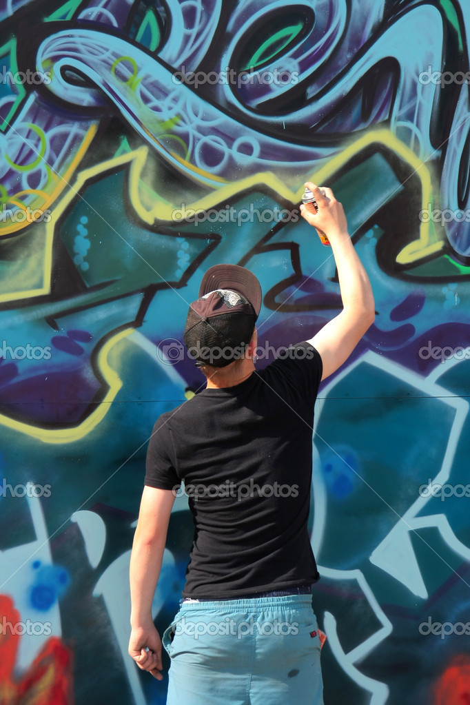 Graffiti artist — Stock Photo #1442456