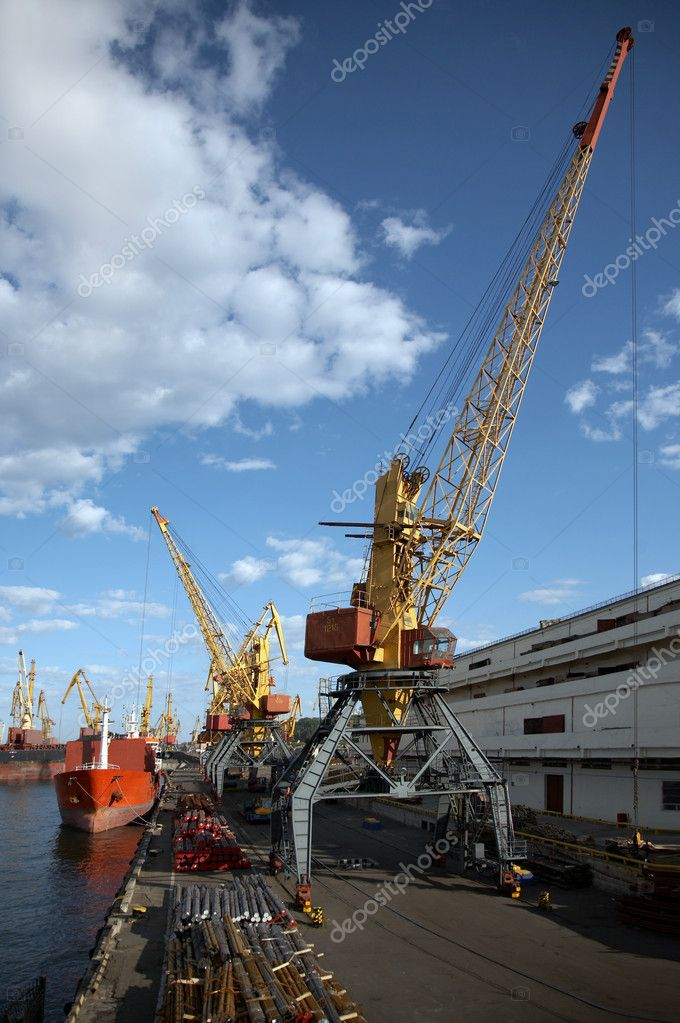 View on the port with loading cargo ship  — Stock Photo #1358553