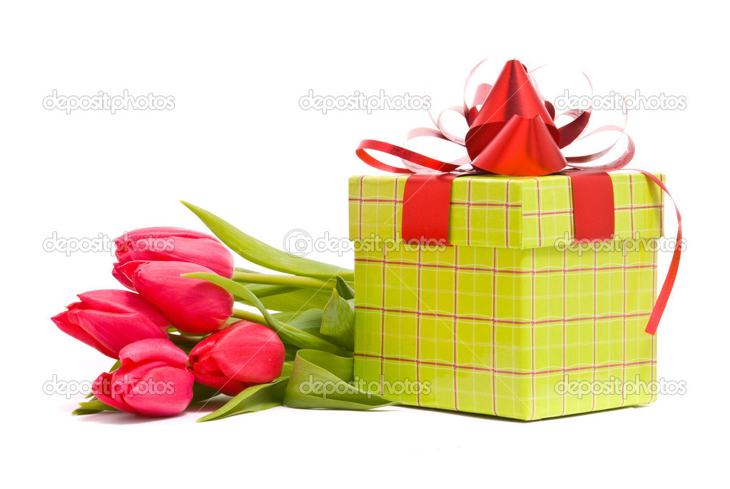 Red tulips and gift box on a white background — Stock Photo #2173012
