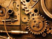 Gears'ı eski bir mekanizma üzerinden — Stok fotoğraf