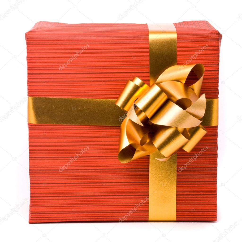 红色礼品盒金色蝴蝶结